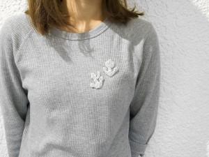 モール刺繍ブローチ