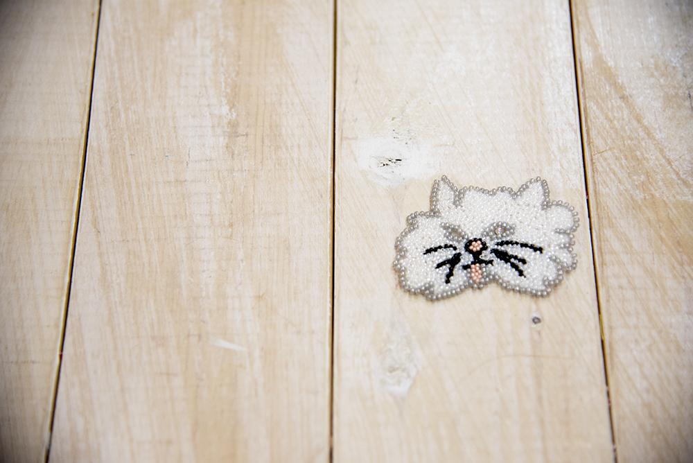 猫 刺繍 ビーズ