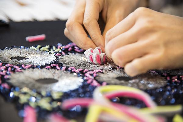 変形 スパンコール 刺繍 素材