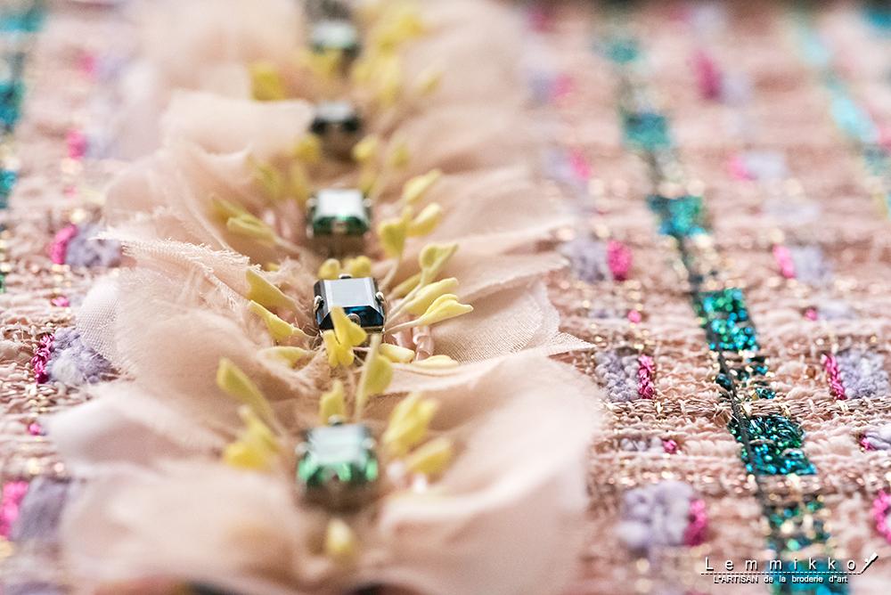 ツイード 刺繍