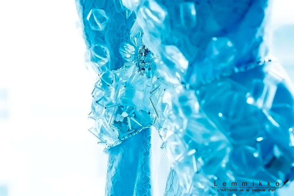 青 ビーズ 刺繍