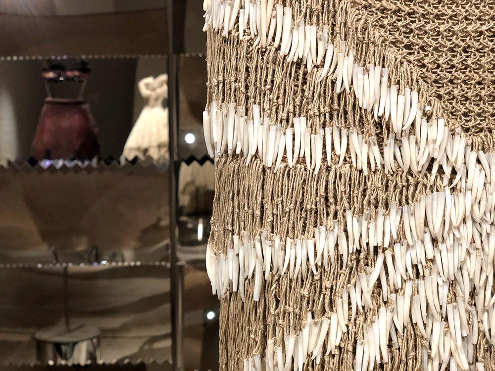 アライア 貝の刺繍