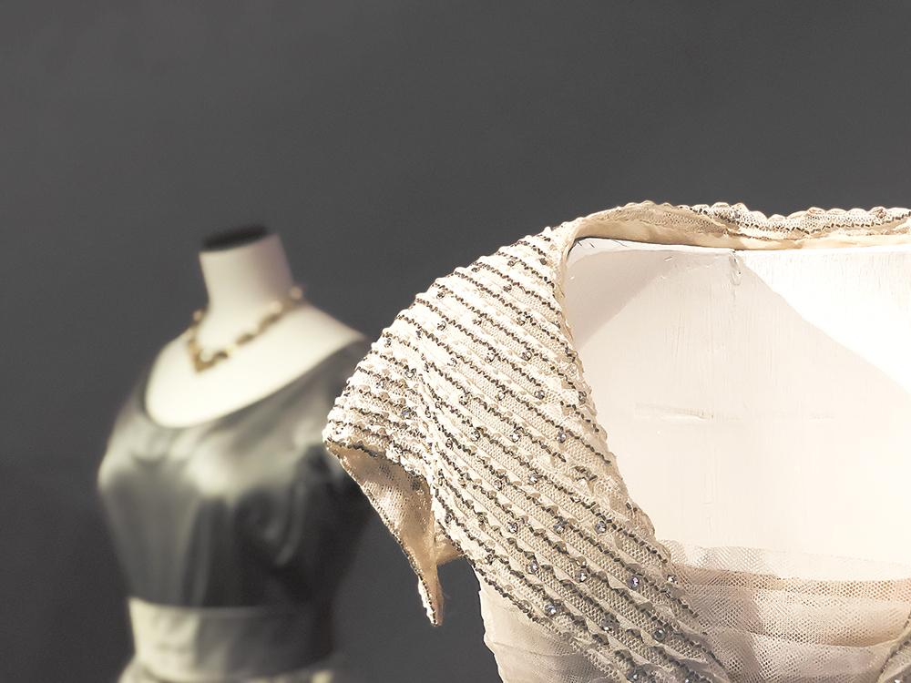ディオールの刺繍ドレス