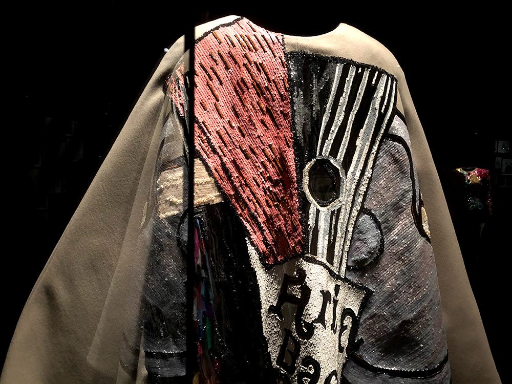 サンローランの代表的な刺繍
