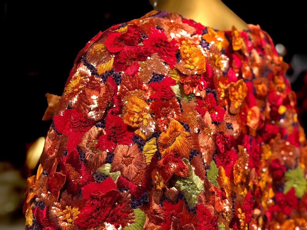 サンローランの有名なオートクチュール刺繍
