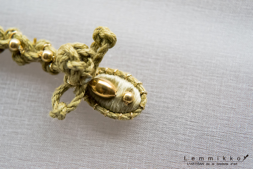 刺繍で作ったチャイナボタンの刺繍