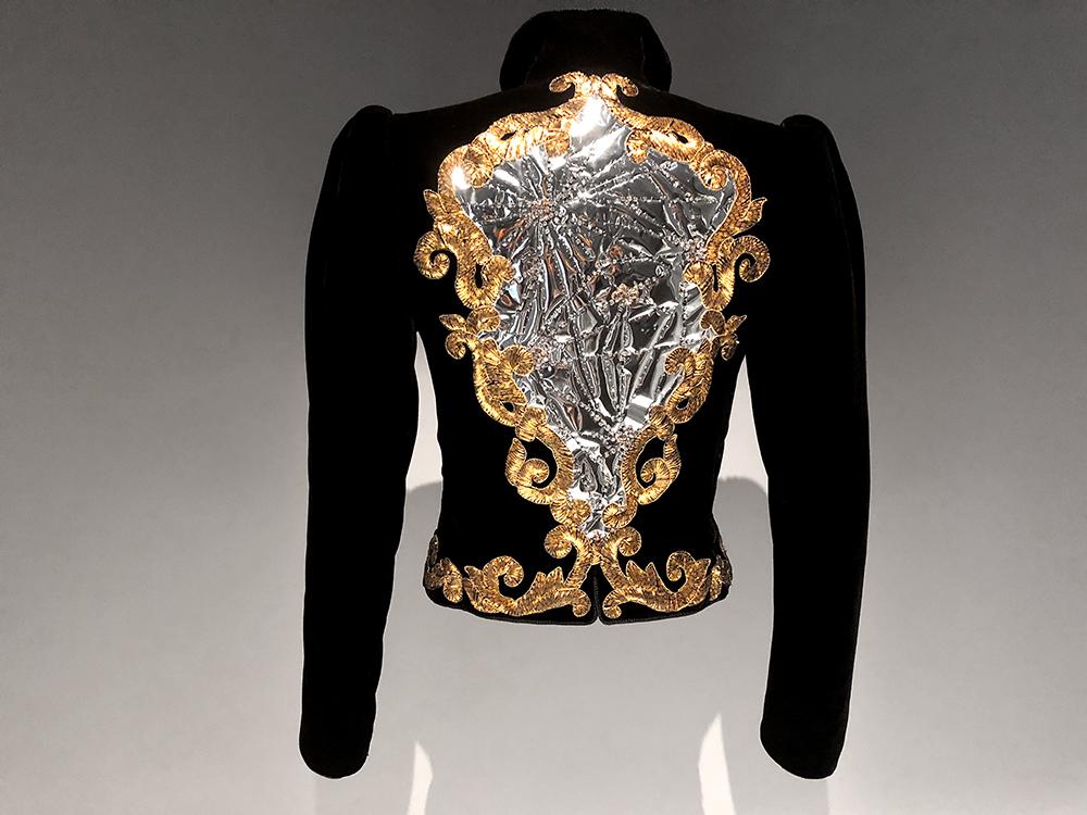 サンローランのビンテージ刺繍ジャケット