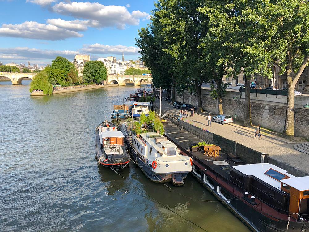 パリの船の観光