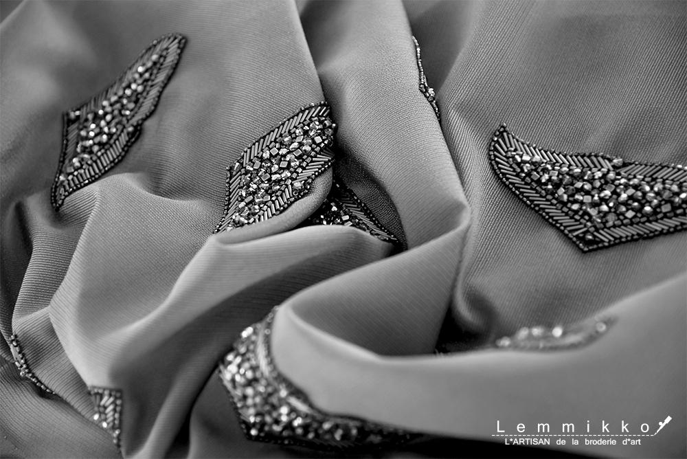 刺繍のブローチオーダー