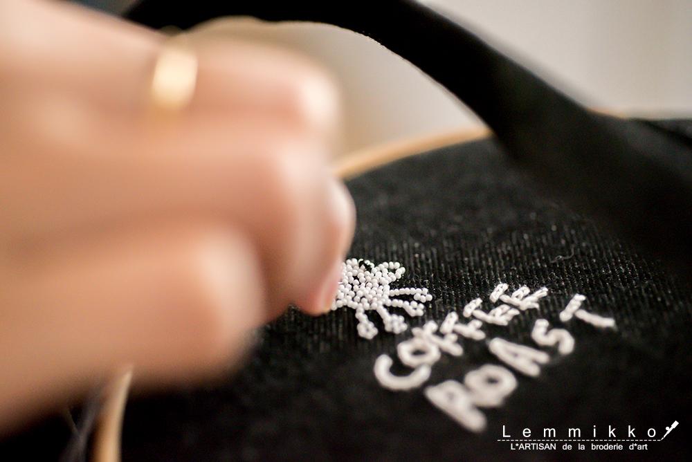 ビーズ刺繍のエプロン