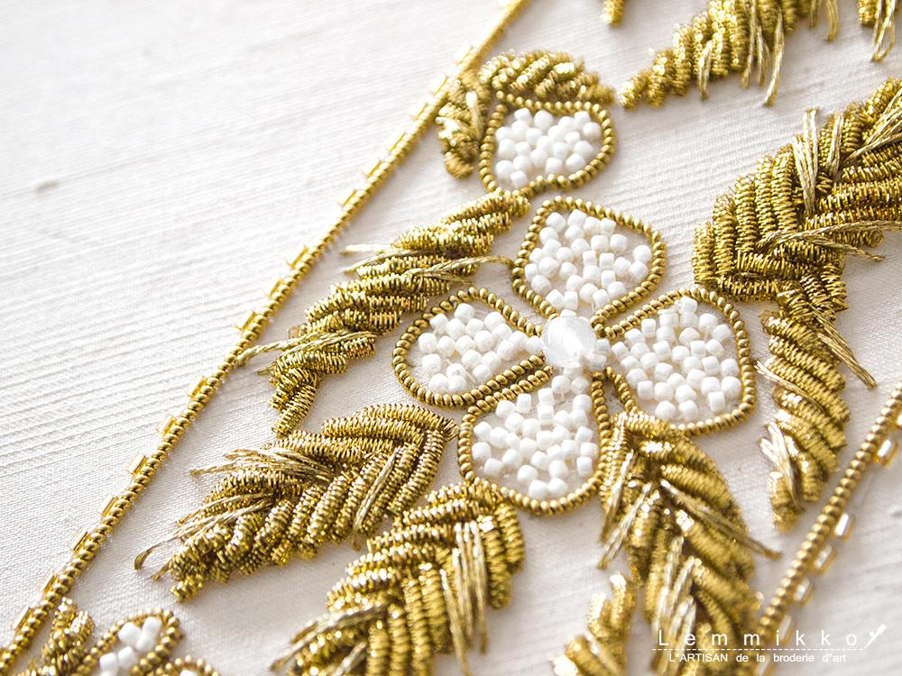 金モールとリュネビル刺繍