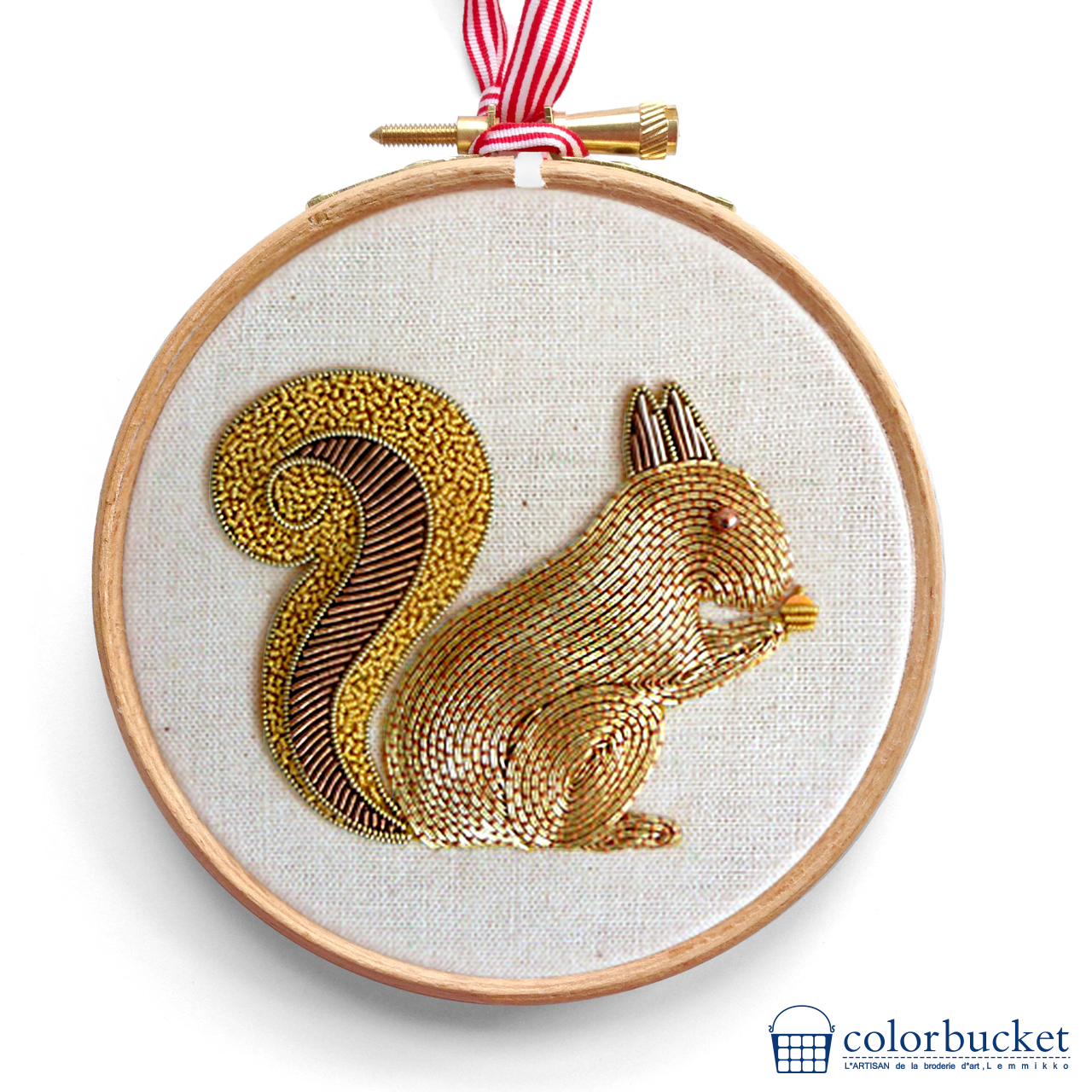 becky-hogg-embroidery-squirrel