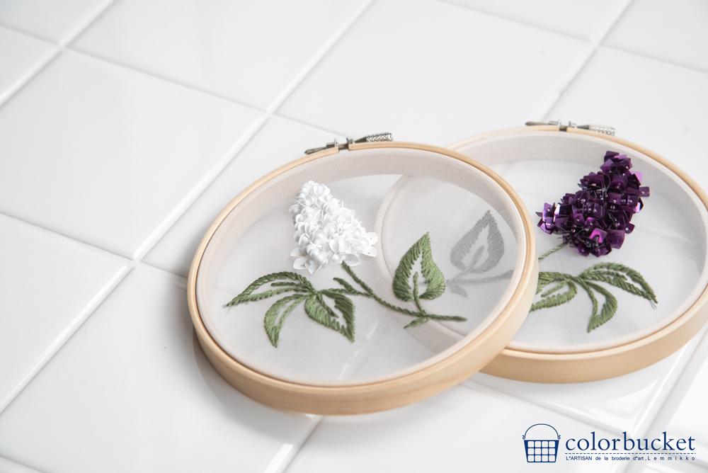 スパンコールの花刺繍