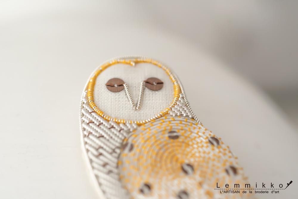 フクロウの刺繍アクセサリー