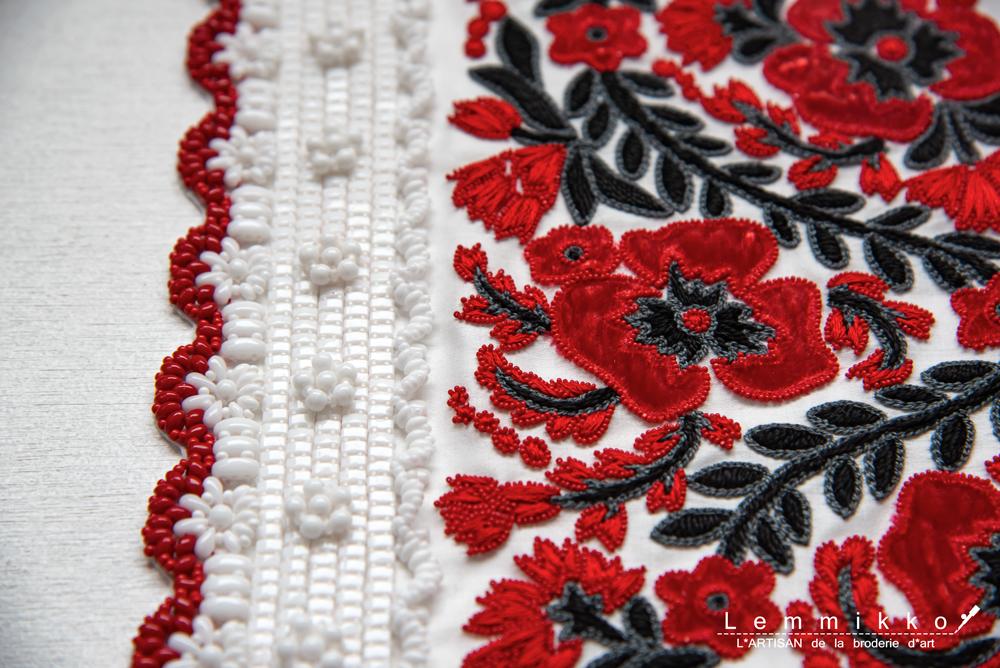 フォークロアー刺繍