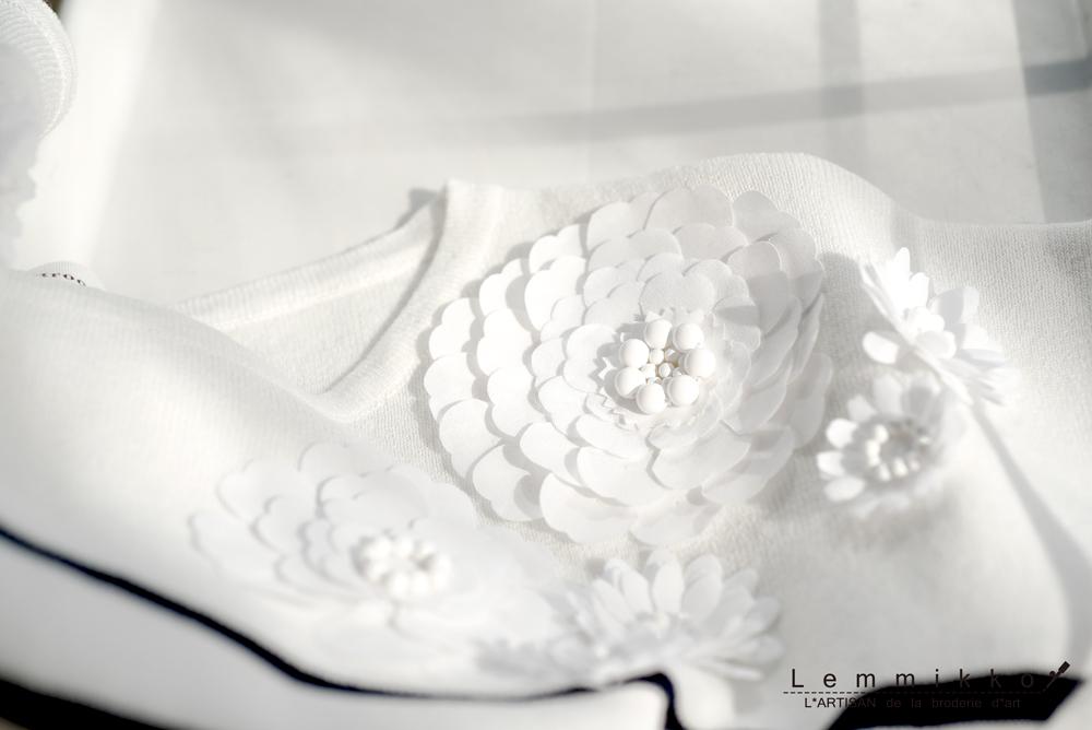 ボーダー可愛い花刺繍