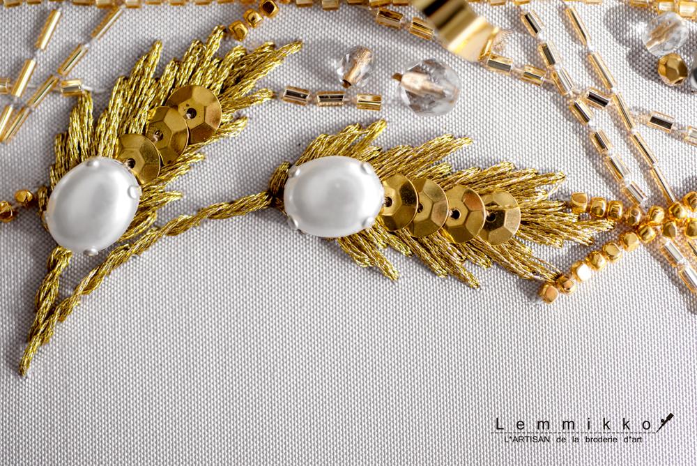 メタルスパンコールの刺繍