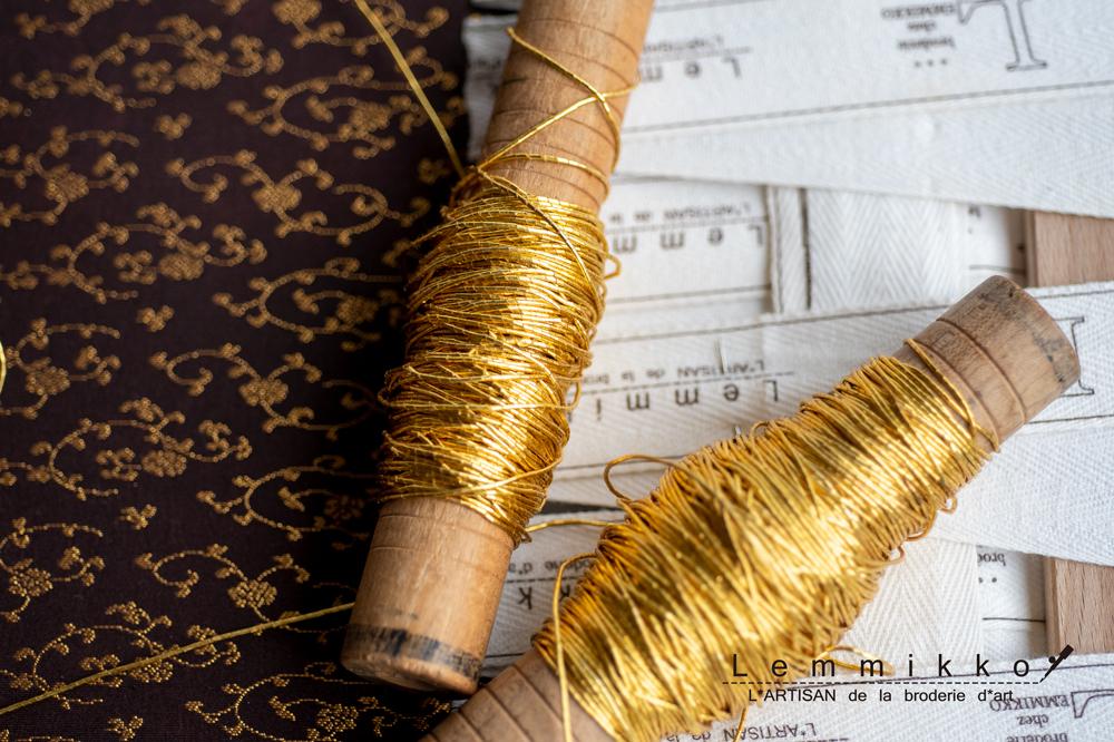 日本刺繍の金糸