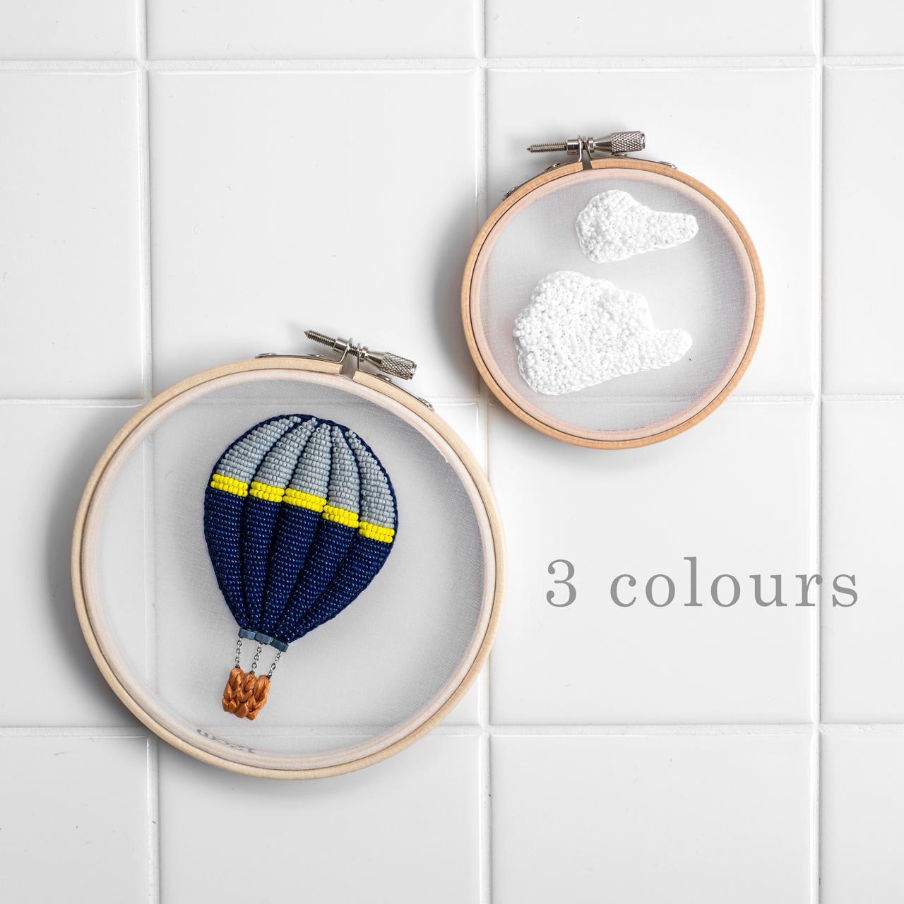 気球の刺繍のカラフル