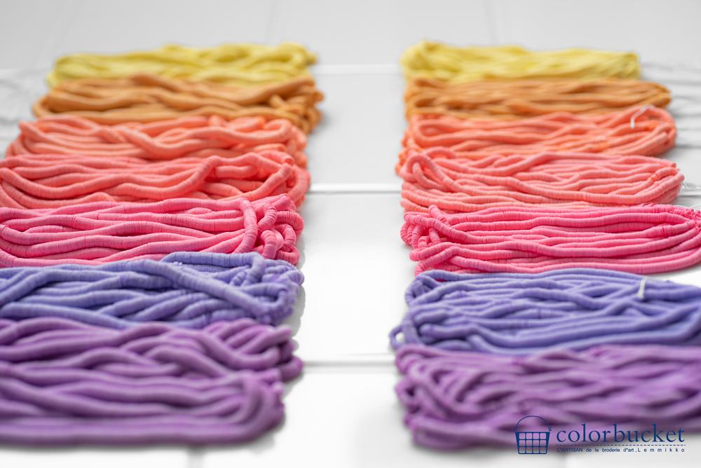 パステルカラー暖色の糸通しスパンコール