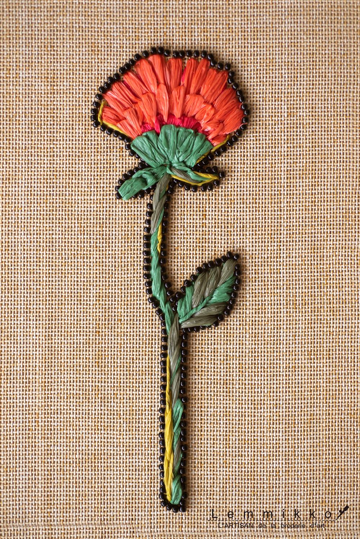 ラフィアの花の刺繍