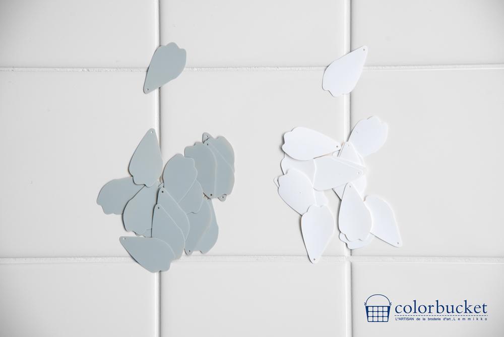 珍しいスパンコール花びら形