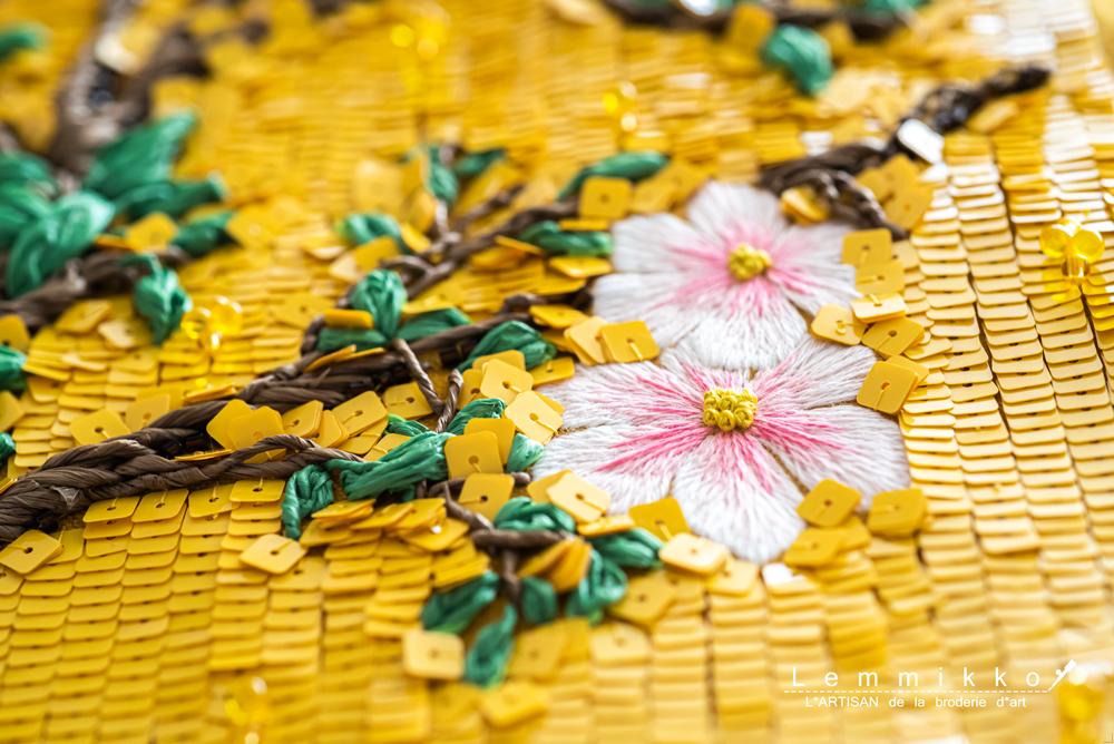 シノワズリーのスパンコール刺繍