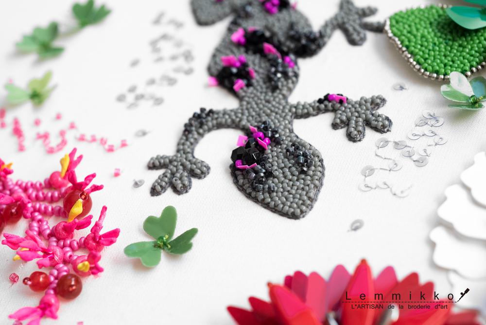 オートクチュール刺繍のトカゲ