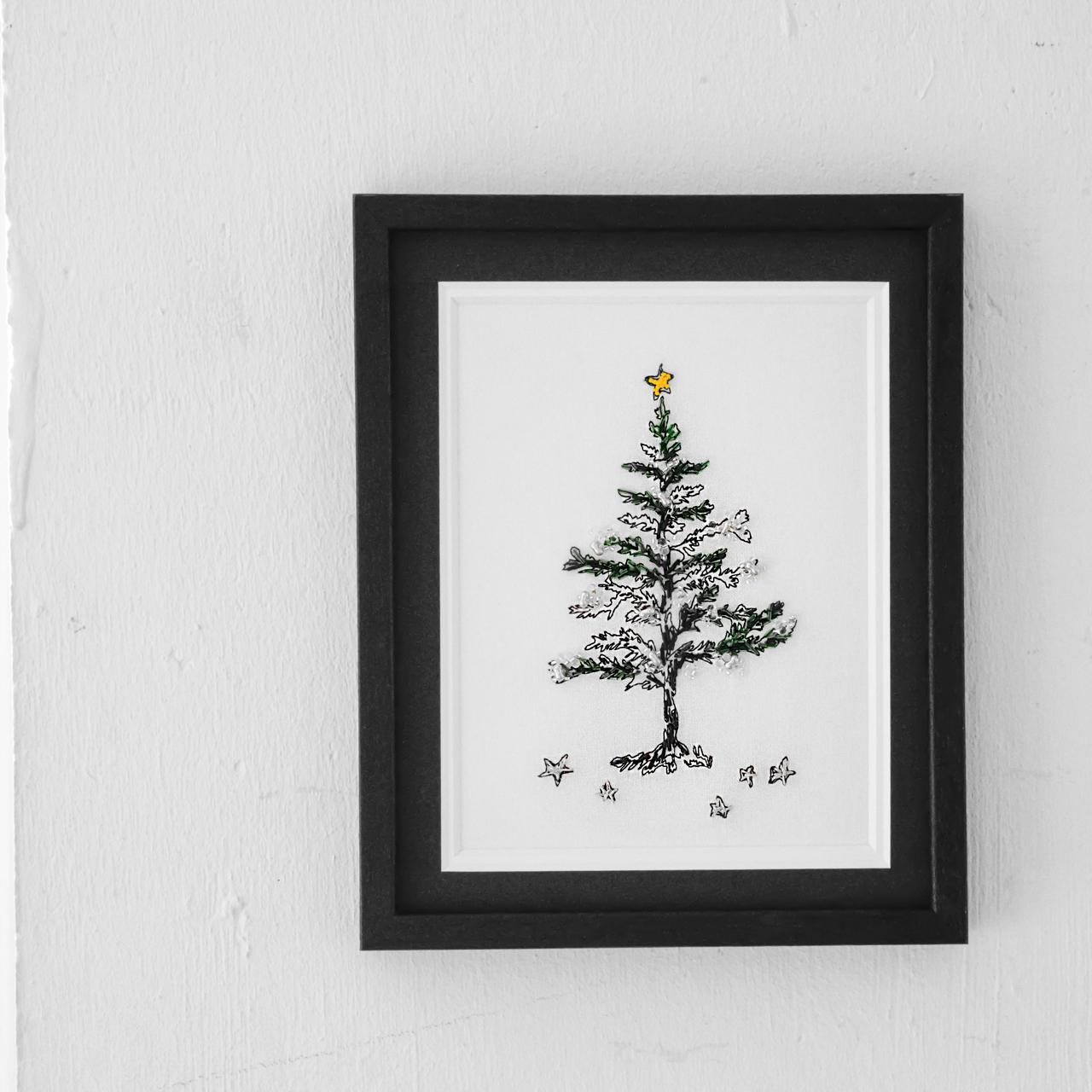 クリスマスの刺繍がかわいい
