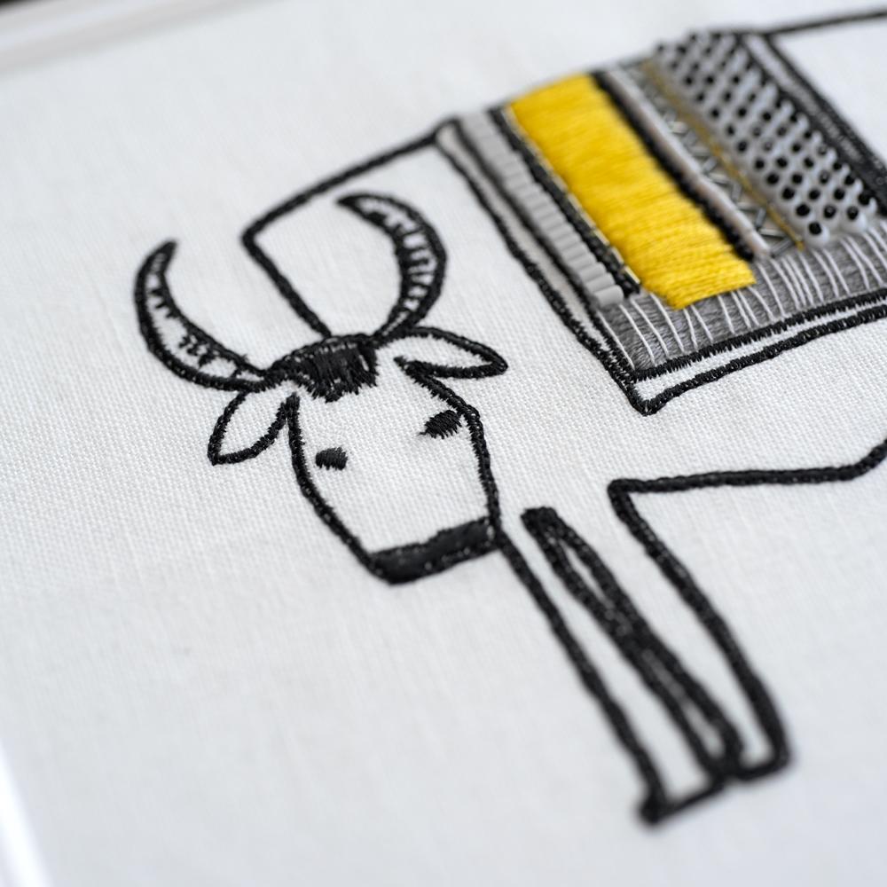 牛の顔の刺繍