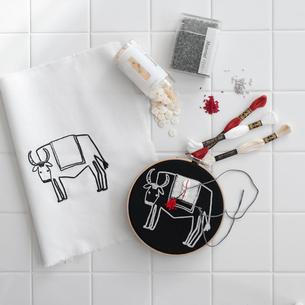 牛の刺繍キット