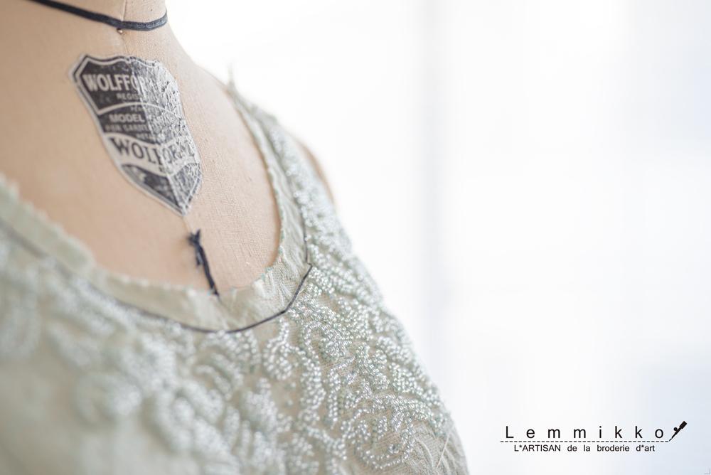 ビーズの刺繍