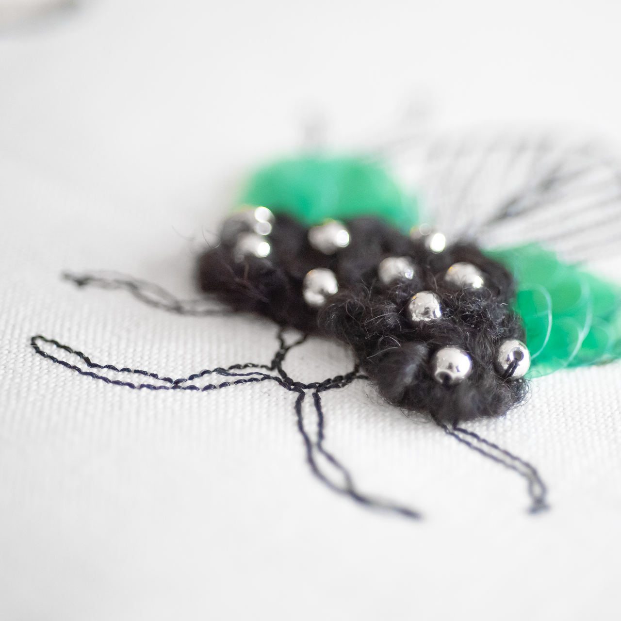昆虫の可愛い刺繍