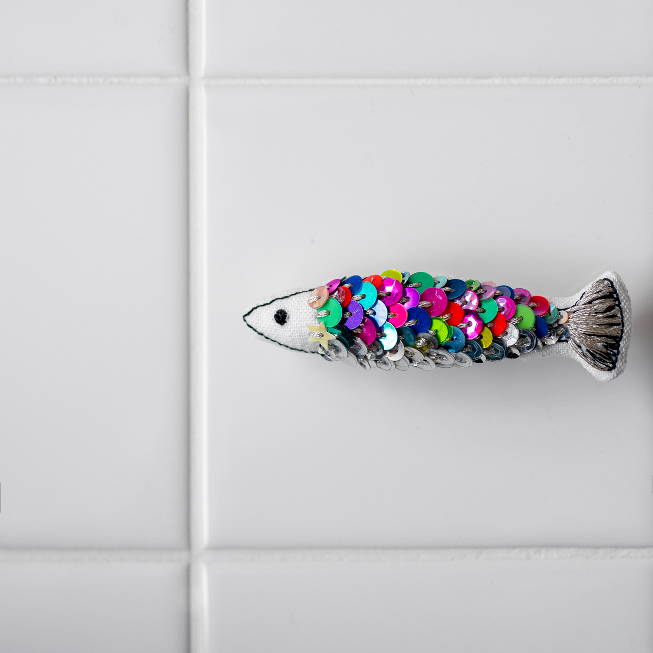 魚の鱗の刺繍サンプル