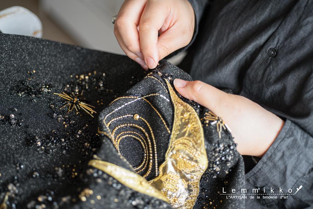 星座のビーズ刺繍