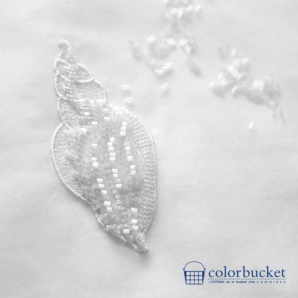 貝のビーズ刺繍のアクセサリー