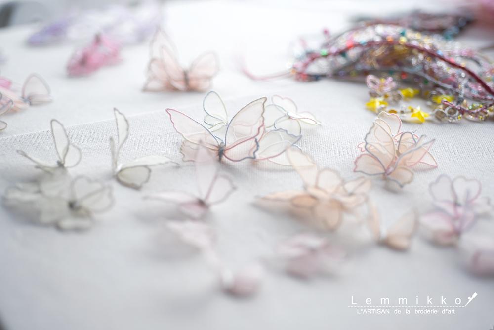蝶のシンプルな刺繍