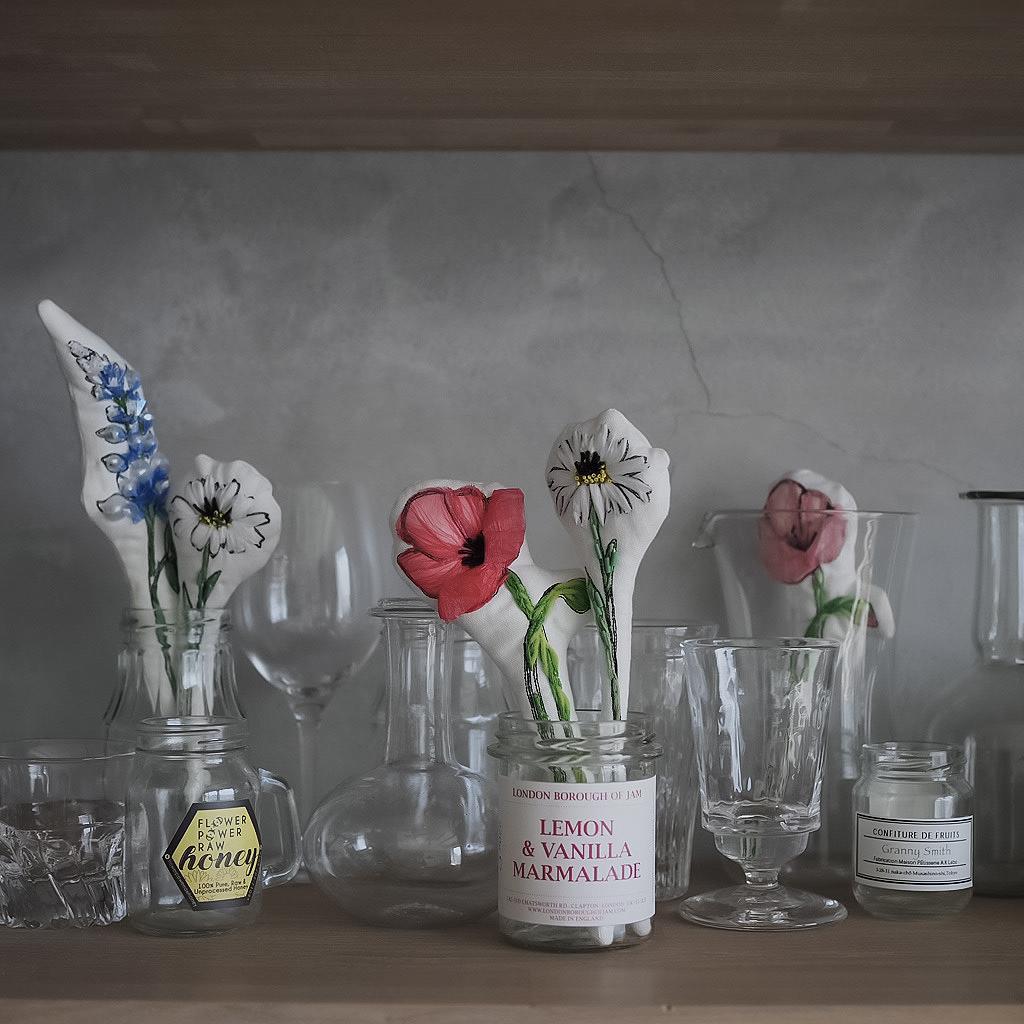 シンプルな花束の刺繍